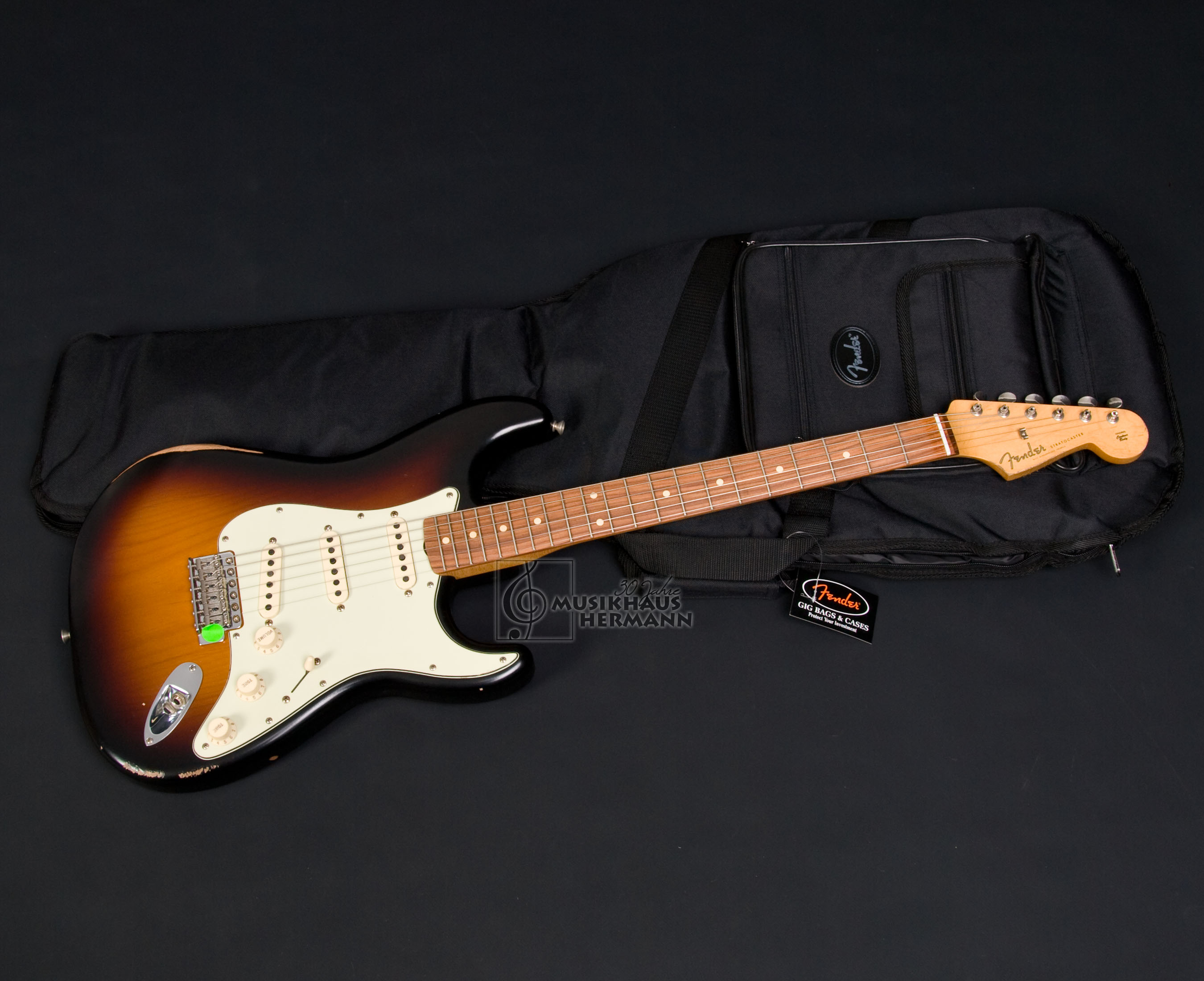a6 2787 Fender Road Worn 60 s Stratocaster 3TS